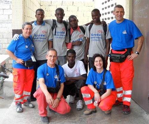 Gli infermieri volonatri ad Haiti.