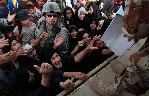 Scene di guerra in Iraq - Foto di Chris Hondros